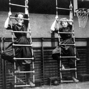 Women's gymnastics (1910)