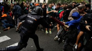 Spanish National police attack pro-referendum supporters