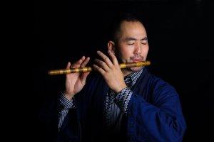 Kaoru with flute
