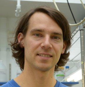 Dr. Roland Kersten