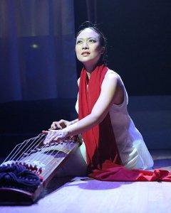 Jen Shyu, photo credit Steven Schreiber